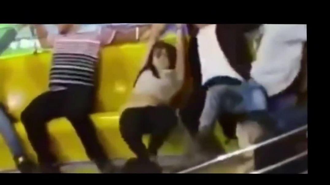 Loosing her pants in amusement park ride