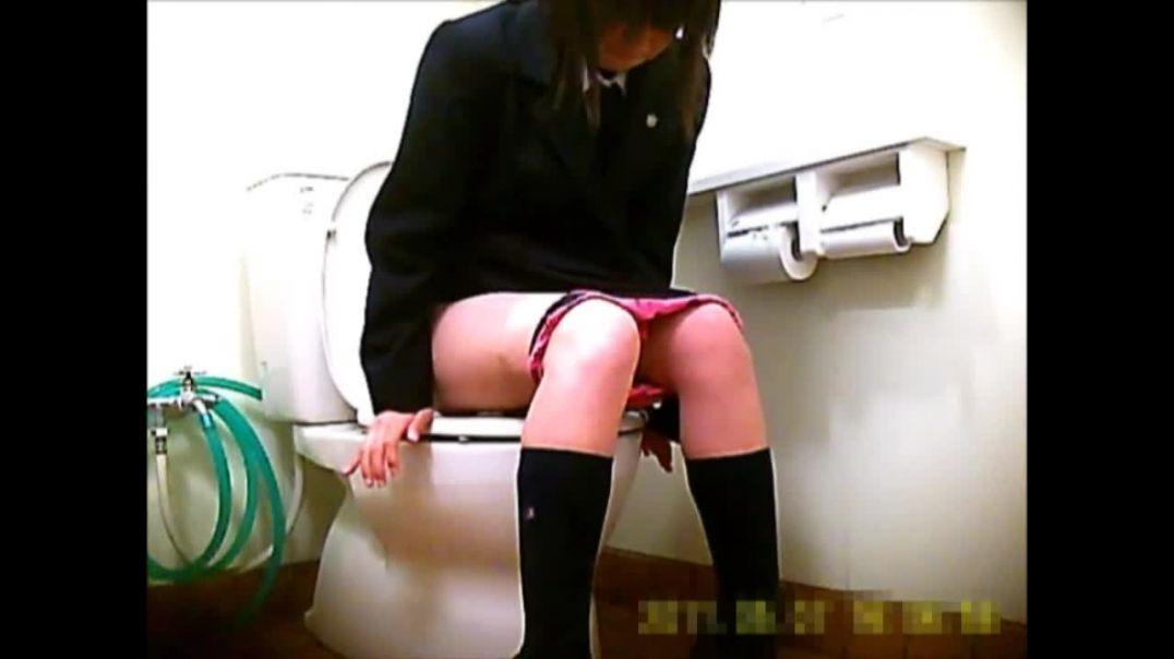 15368558 制服いっぱい洗面所!!恥ずかしい姿タップリ!!