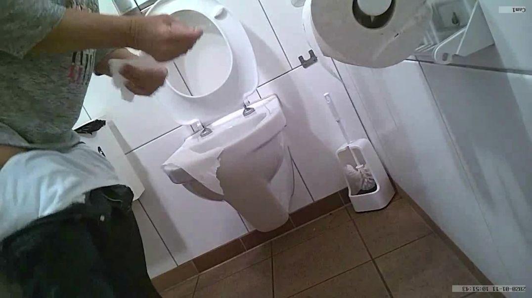 Toilet Voyeur 5