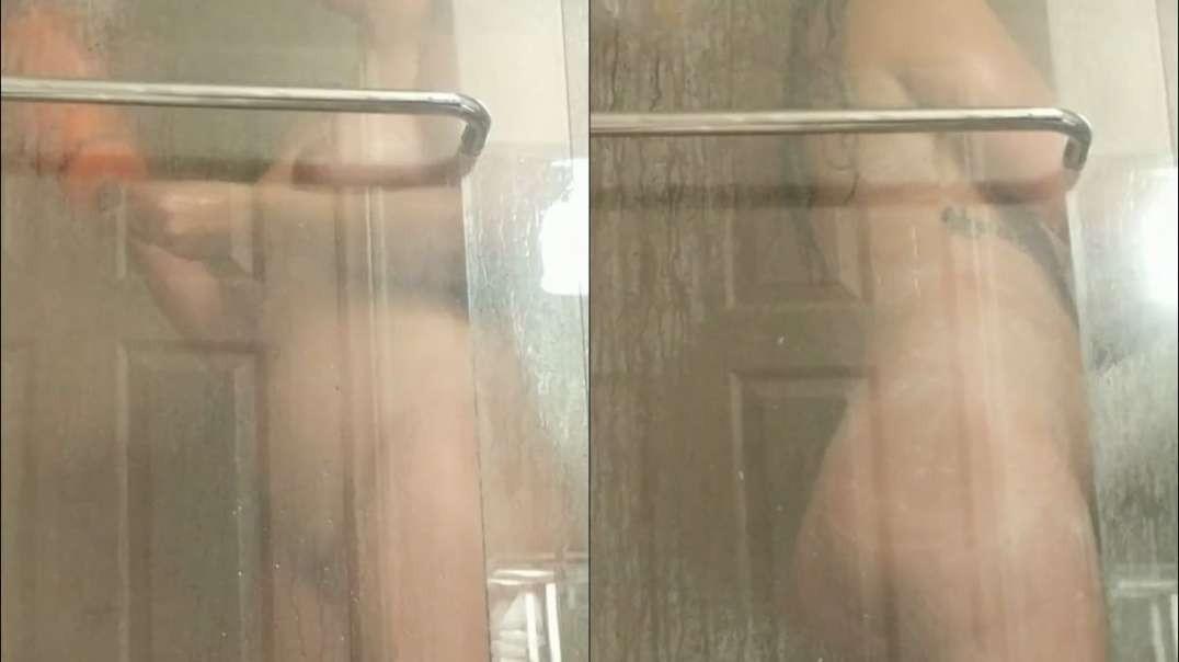 busty-girl-in-shower