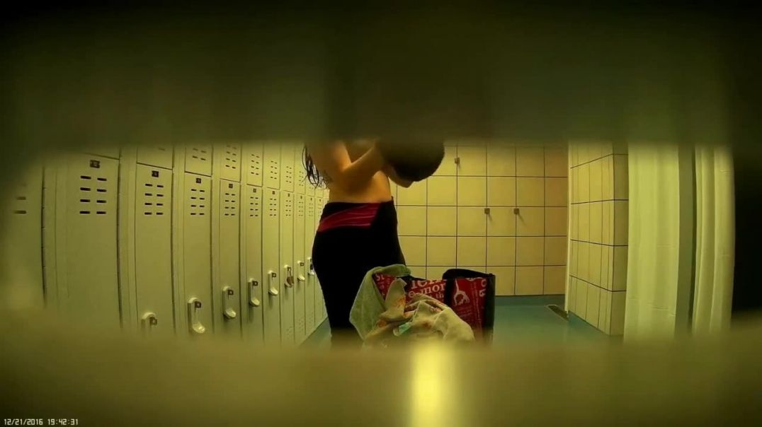 Hidden camera, Japanese girl with a great body, pt 1_xhDKVE7_720p