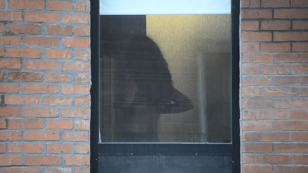 Window peep Series - ep28