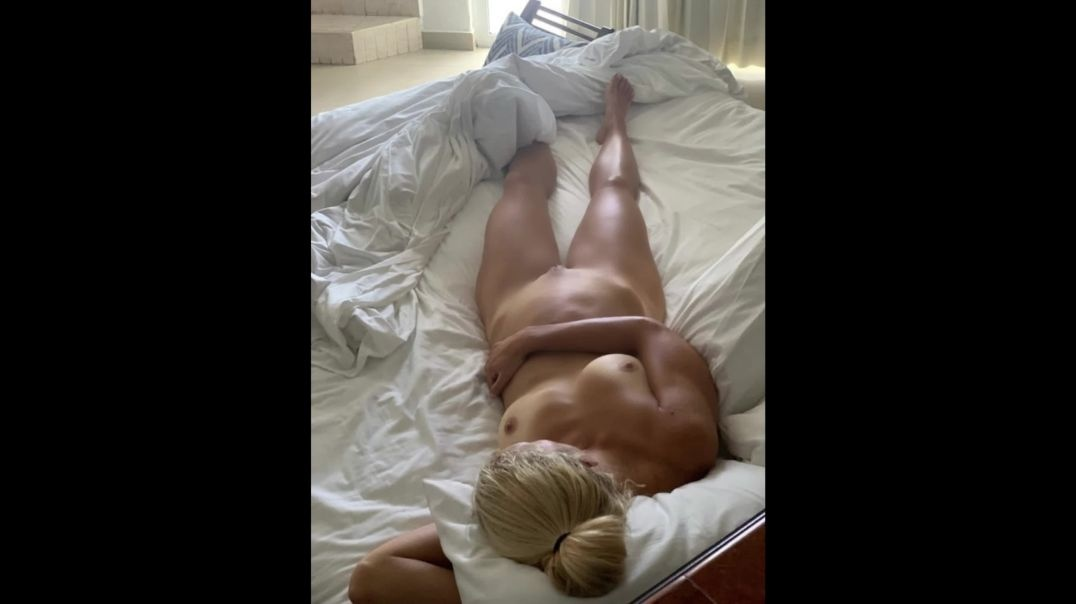 Various Pics of the Wife